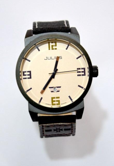 მაჯის საათი Julius